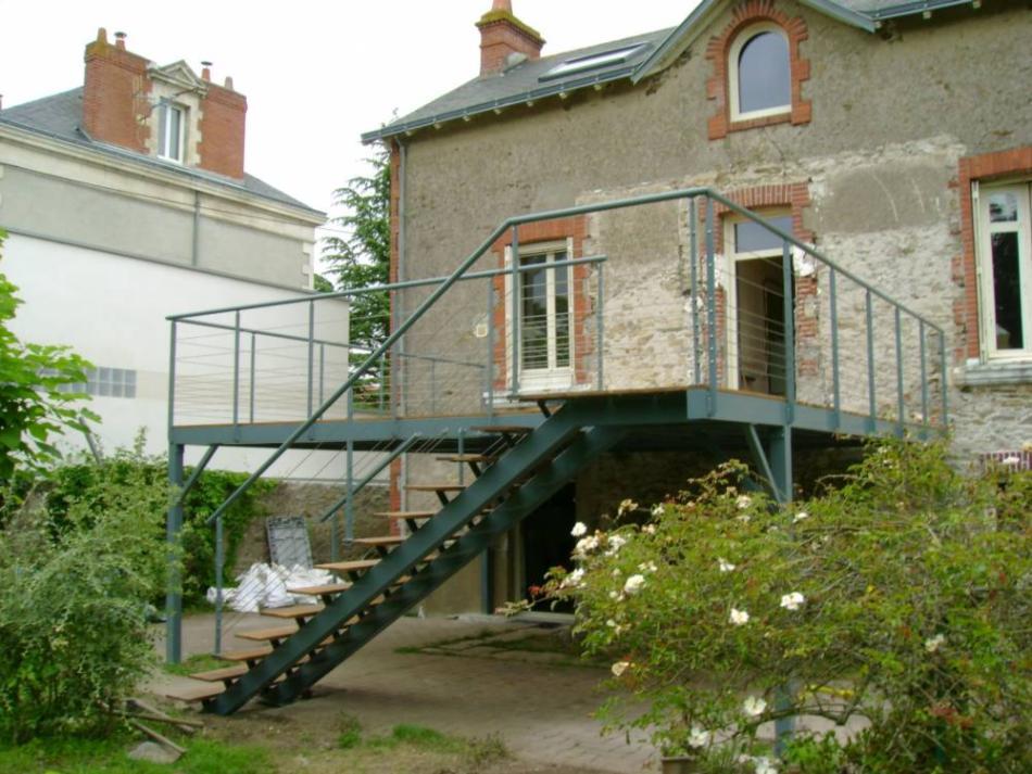 Menuiserie Metallerie Nantes Portail Terrasse Suspendue