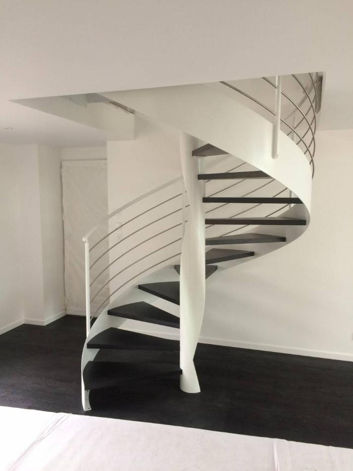 escalier metal design Montaigu 85